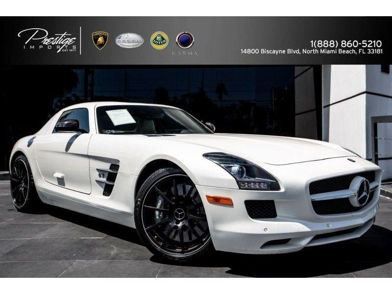 Elegant 2012 Mercedes Benz SLS AMG