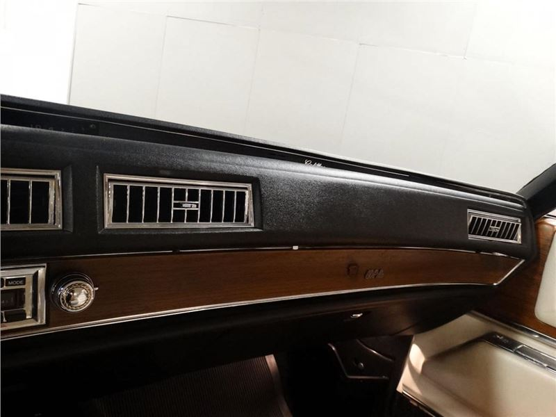1975 Cadillac DeVille for sale in for sale on GoCars