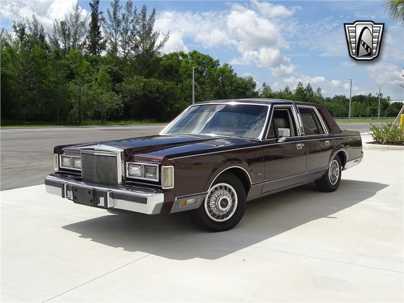 1988 Lincoln Town Car for sale in for sale on GoCars