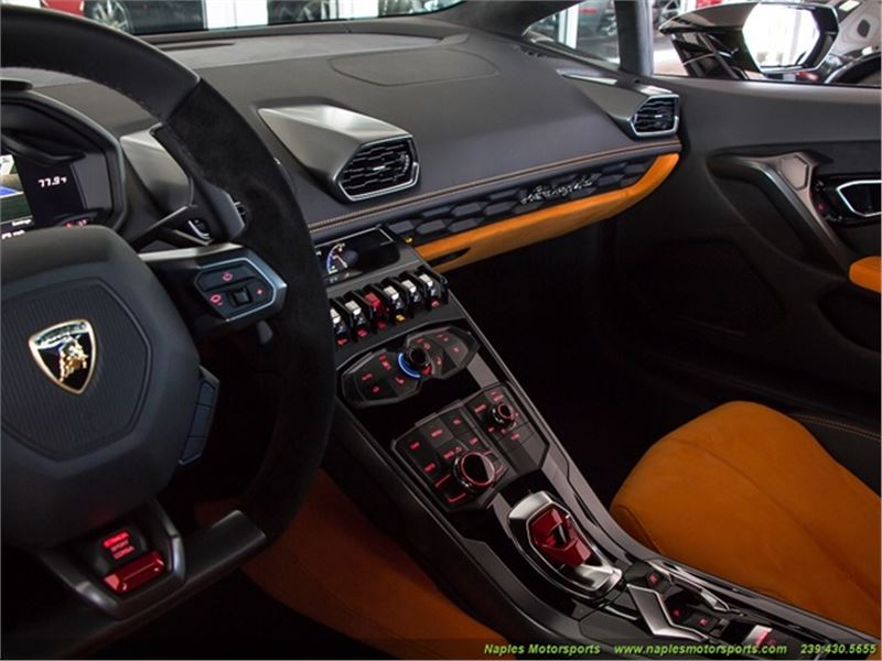 2015 lamborghini huracan for sale gc 13516 gocars. Black Bedroom Furniture Sets. Home Design Ideas