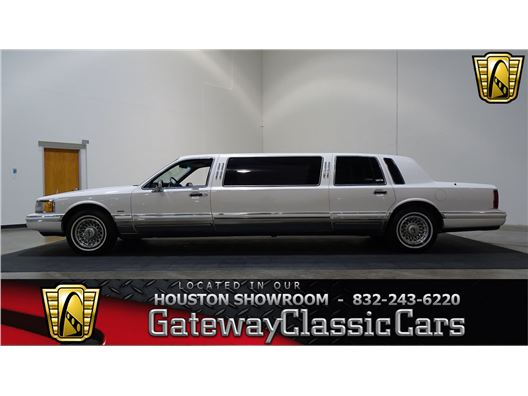 1994 Lincoln Town Car for sale in Houston, Texas 77090