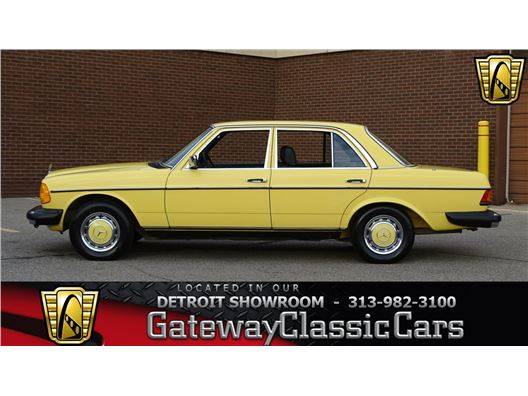 1977 Mercedes-Benz 240D for sale in Dearborn, Michigan 48120