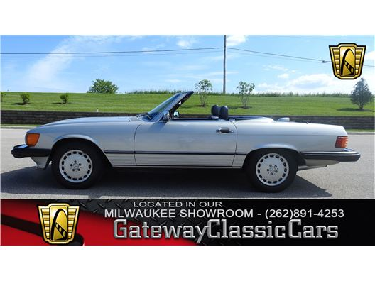 1987 Mercedes-Benz 560SL for sale in Kenosha, Wisconsin 53144