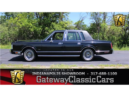 1988 Lincoln Town Car for sale in Indianapolis, Indiana 46268
