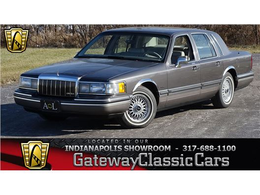 1992 Lincoln Town Car for sale in Indianapolis, Indiana 46268