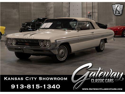 1961 Oldsmobile Starfire for sale in Olathe, Kansas 66061
