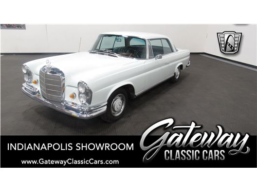 1967 Mercedes-Benz 250SE for sale in Indianapolis, Indiana 46268