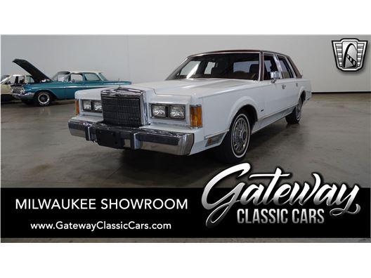 1989 Lincoln Town Car for sale in Kenosha, Wisconsin 53144