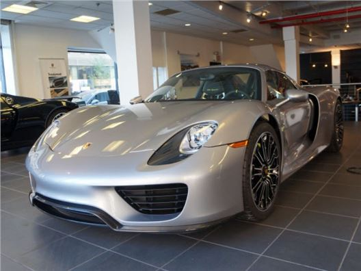 porsche 918 spyder for sale on gocars 2 available. Black Bedroom Furniture Sets. Home Design Ideas